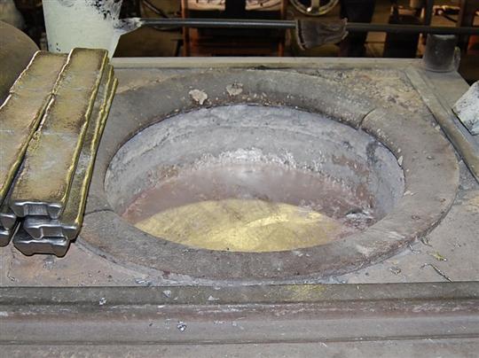 アルミ溶解炉